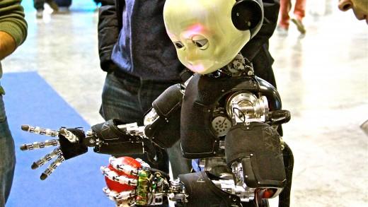 Robotica umanoide: iCub l '  avanguardia dell ' IIT